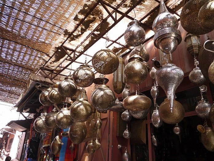 Прогулка по Марракешу, гиды-помогалы и забавные особенности быта в Марокко