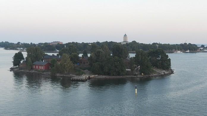 Финский остров - вид с верхней палубы