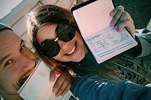 Паспорт, деньги, два пинка
