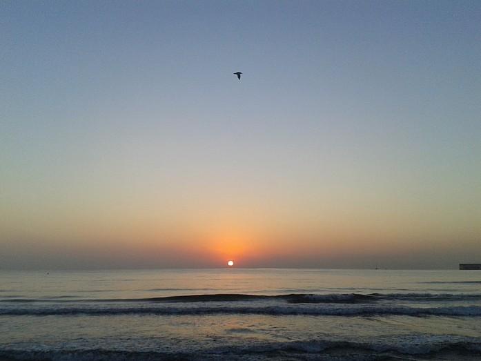 <em>Рассвет на пляже Мальвароса</em>