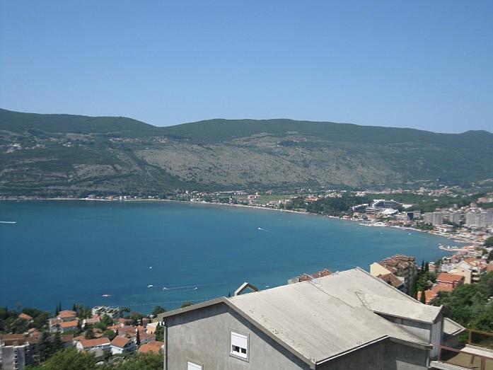 Вид на бухту в Невице