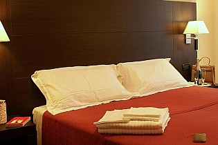 Отель Hotel Versailles