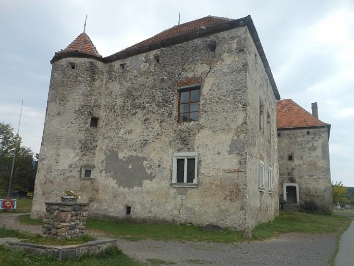 Замок Сент-Миклош.