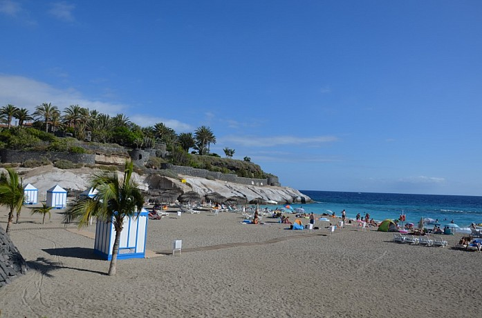 Пляж Del Duque на юге Тенерифе