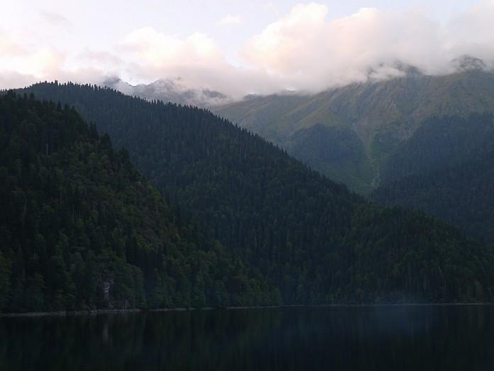 Озеро Рица - таинственная жемчужина Абхазии