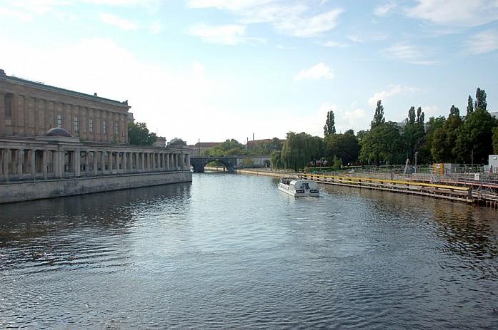Экскурсия по Шпрее. Смотрим главные достопримечательности Берлина с катера