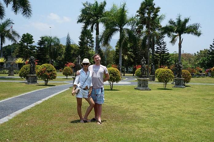 Парк у водного храма Таман Уджунг