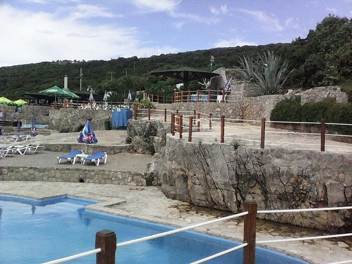 Плюсы и минусы Черногории в сезон и краткий обзор основных пляжей