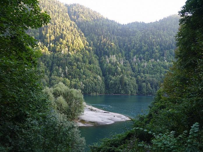 вид на озеро от Птичьего водопада