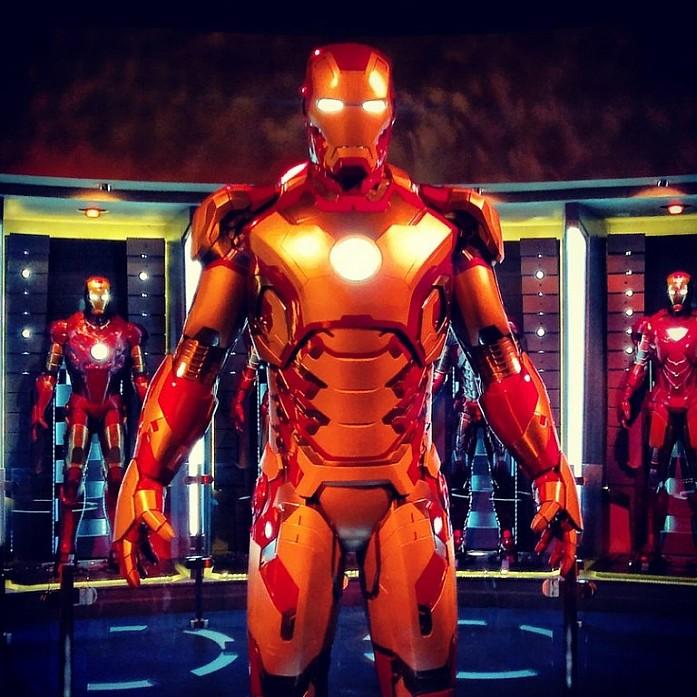 Я умирала от восторга когда нашла комплект костюмов Железного Человека в полный рост