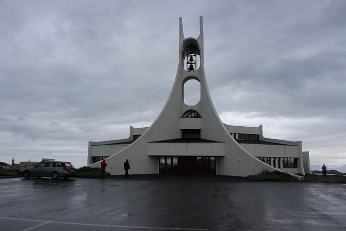 Церковь в Стиккисхоульмюр