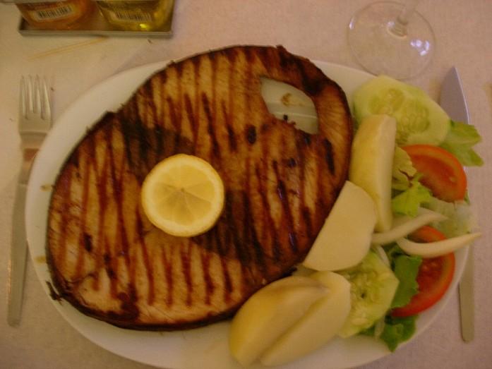 Рыбный стейк на Sao Jorge