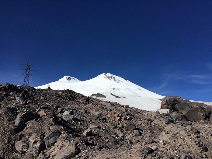 Две вершины одного Эльбруса