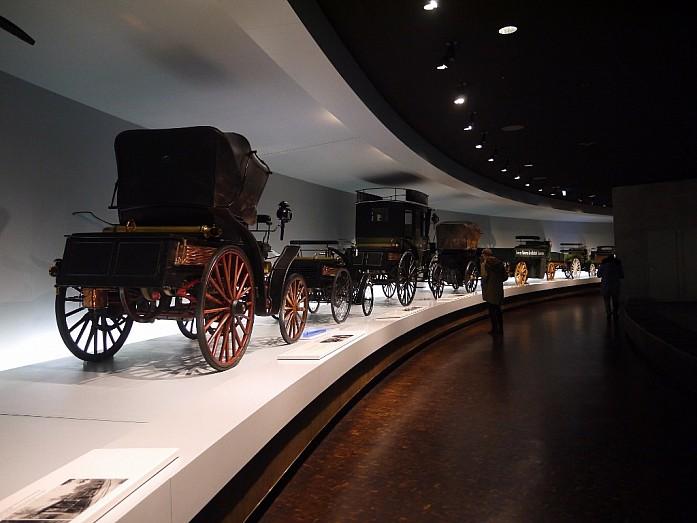 Музей Мерседес-Бенц в Штуттгарте