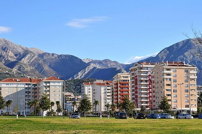 Квартал новых домов, практически центр города