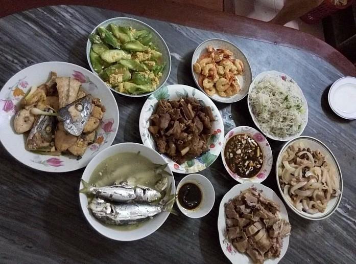 Еда - неотъемлемая составляющая китайской культуры (фото из архива китайских товарищей автора)