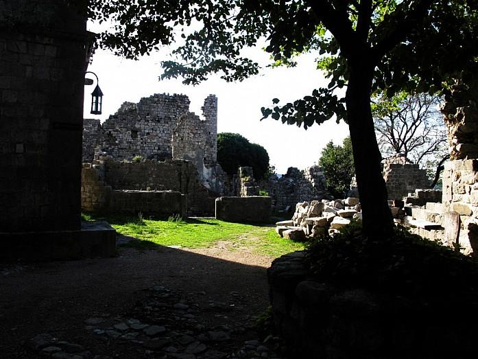 руины Старого Бара