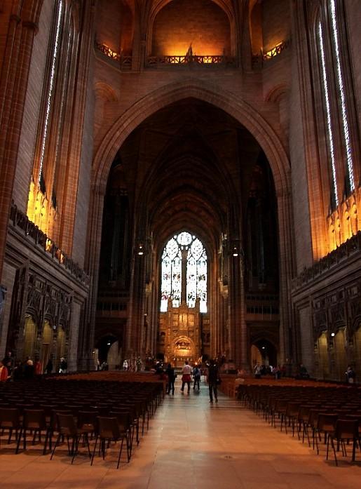 Внутри Ливерпульского собора