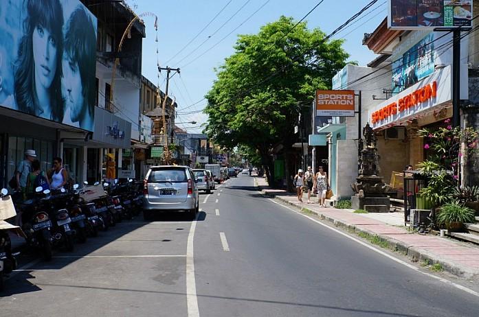 Торговая улица Wenara Wana в Убуде