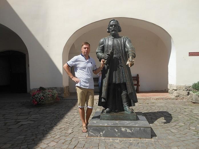 Основатель замка князь Кориатович.